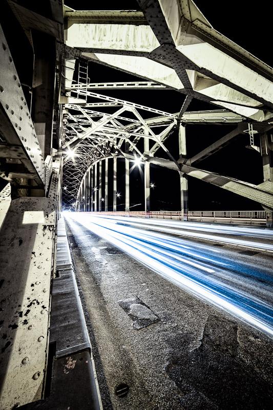 Fotograaf in zijn vrije tijd: Waalbrug @ Night